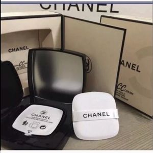 Chanel CC cushion cream foundation colorless